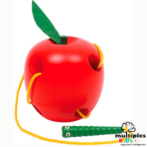 Gusano en manzana